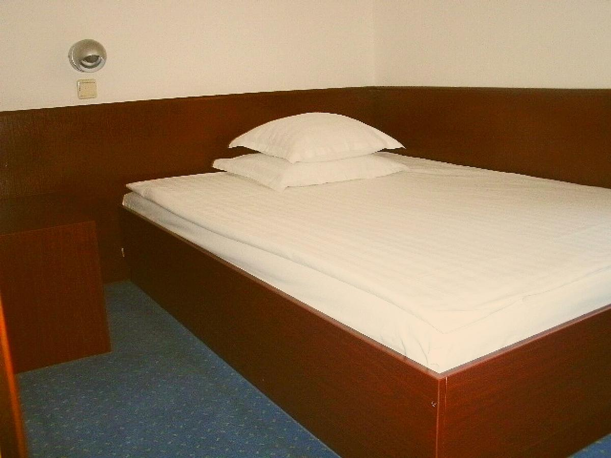 Single room bed and breakfast  - economy